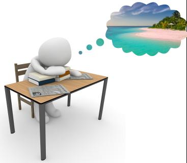 Bonhomme affalé sur son bureau en train de rêver d'une plage paradisiaque
