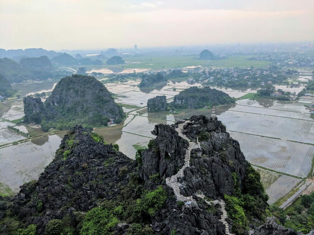 Panorama depuis Hang Mua au Vietnam