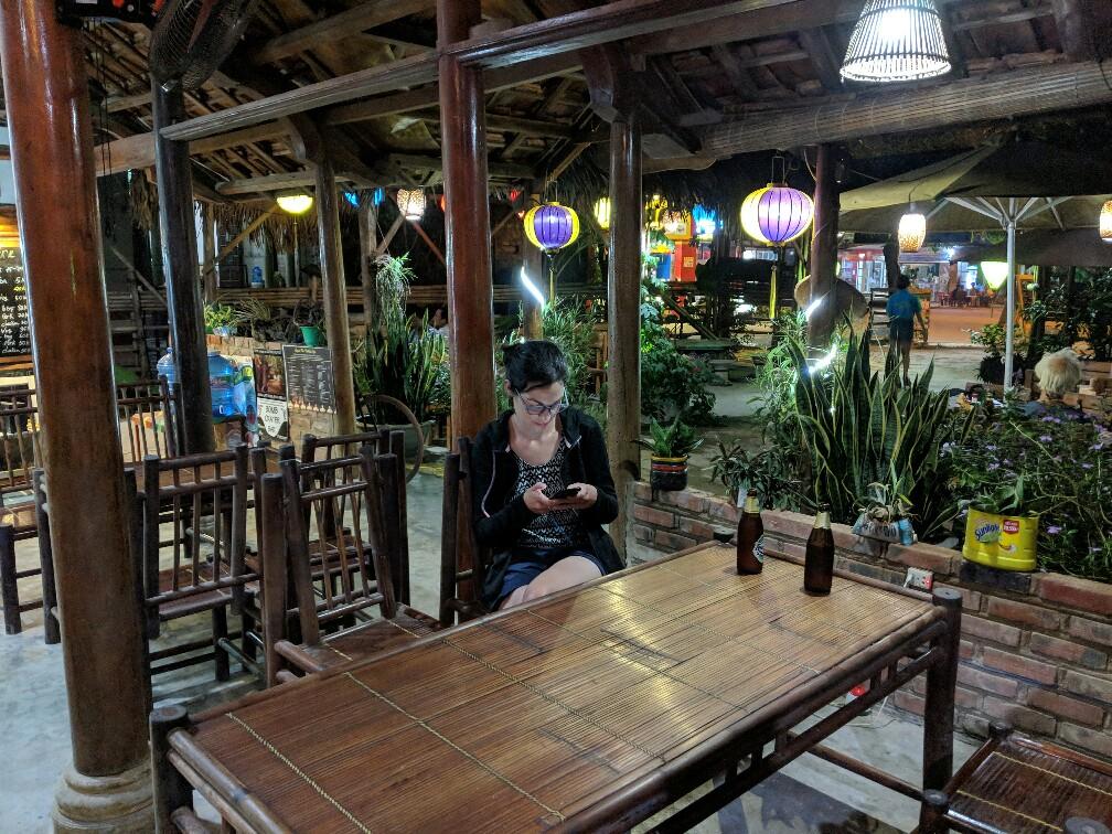 Table à D Arts Zone à Phong Na, Vietnam