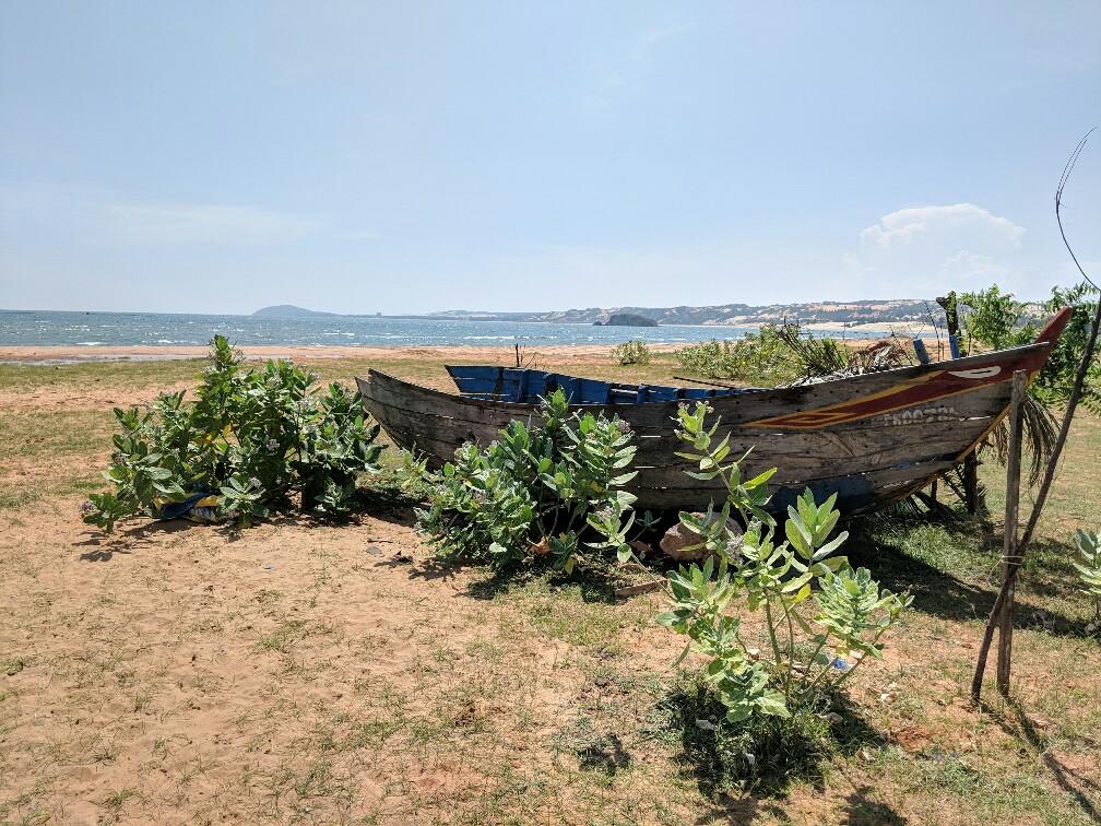 Bateau de pêcheur près de Mui Ne