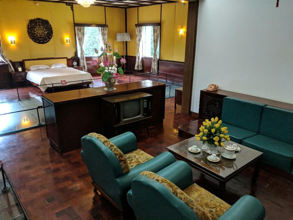 Chambre et salon privé présidentiel dans le Palais de la Réunification à Ho Chi Minh, Vietnam