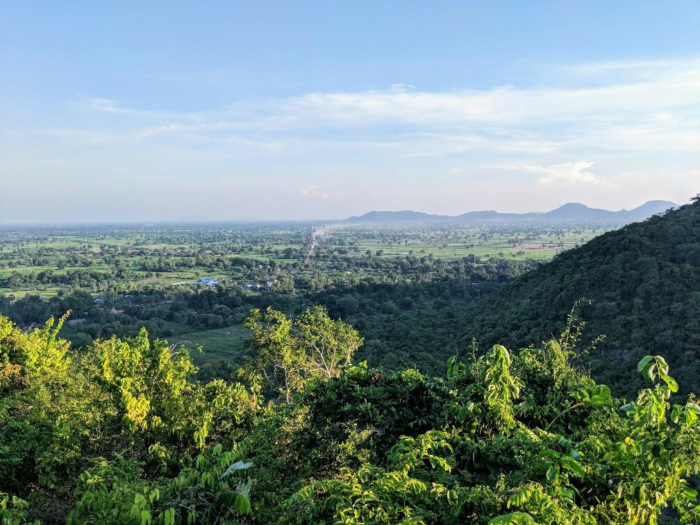 Panorama sur la campagne depuis Killing Caves près de Battambang