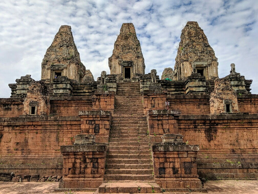 Temple de Pre Rup et son grand escalier, Cambodge