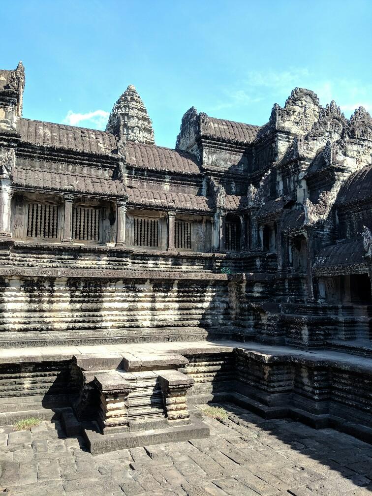 Ancienne pIscine dans l'enceinte d'Angkor Wat, Cambodge
