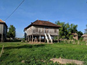 Maison traditionnelle Cambodgienne sur l'ile de Koh Pen, Cambodge