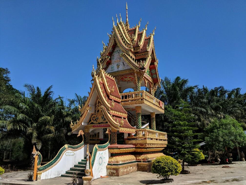 Petit temple à Lak Sao au Laos