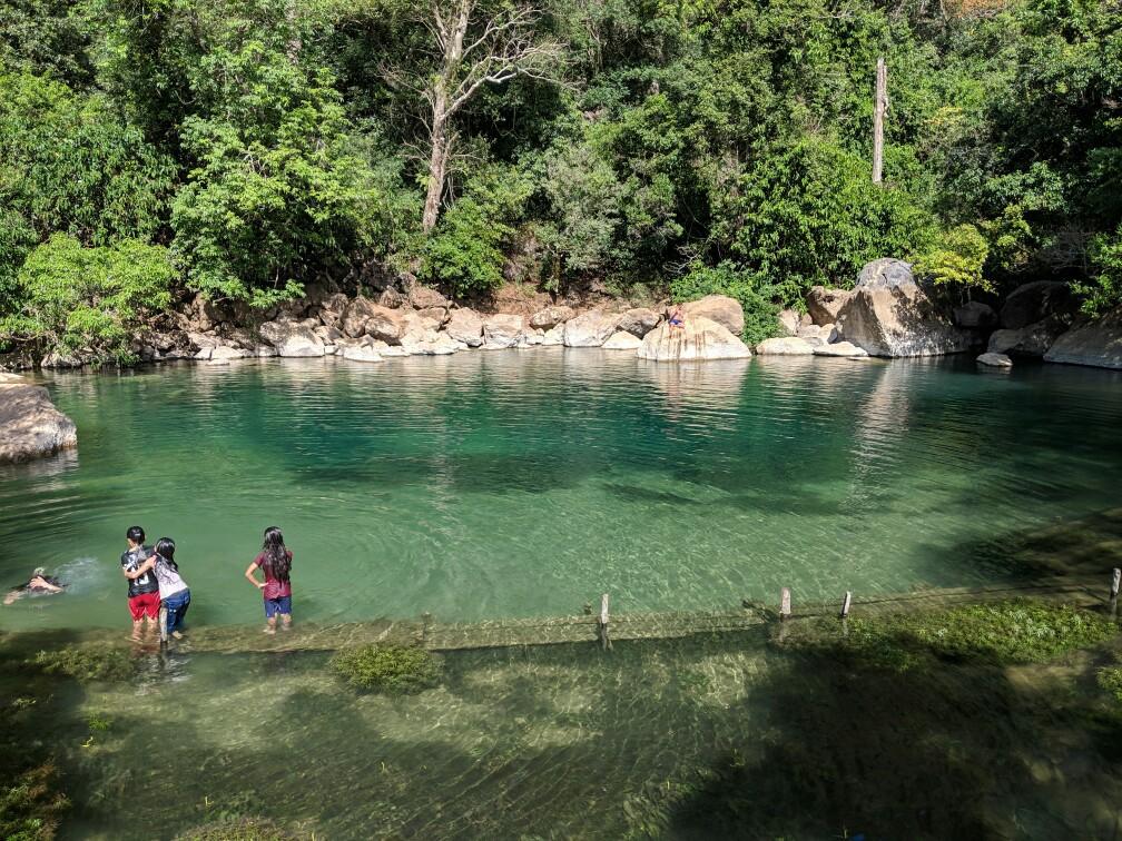 Bassin de la Cool Pool sur la boucle de Thakhek, Laos