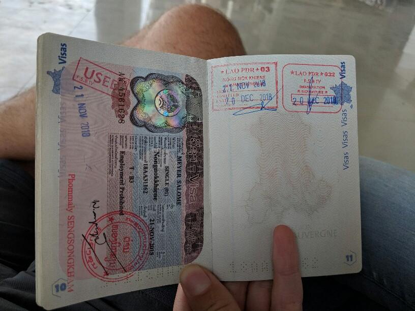 Tampons Laotiens dans le passeport