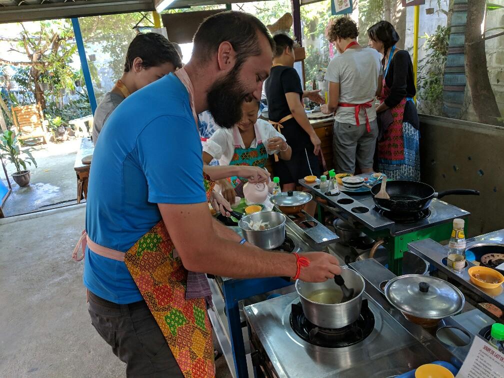 Sylvain au cours de cuisine à Chiang Mai, Thailande