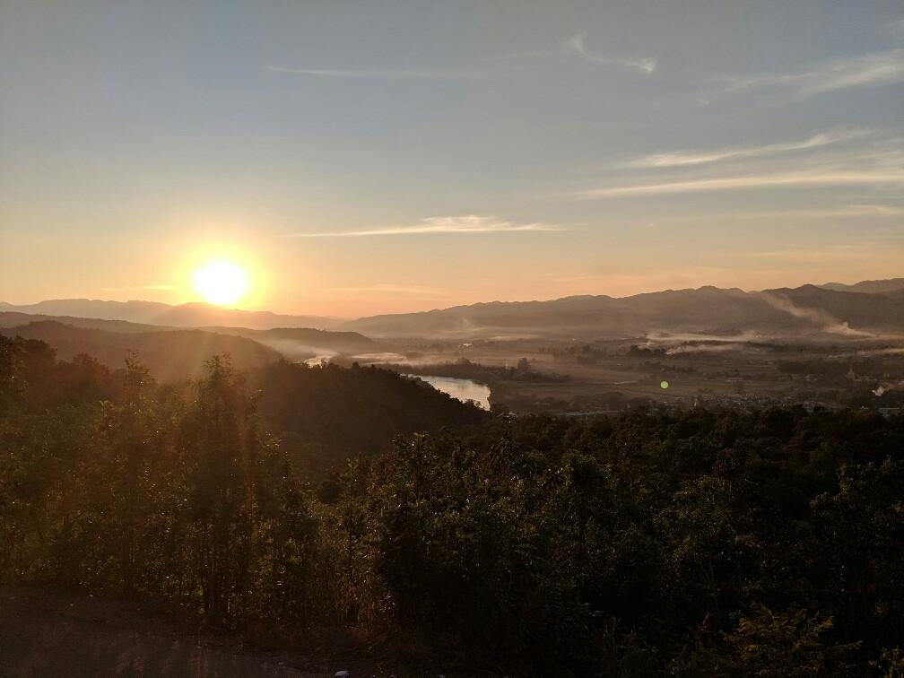 Coucher de soleil depuis Sunset Hill à Hsipaw