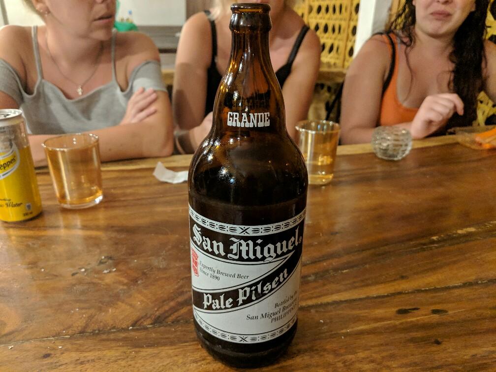 Grande bouteille de bière San Miguel