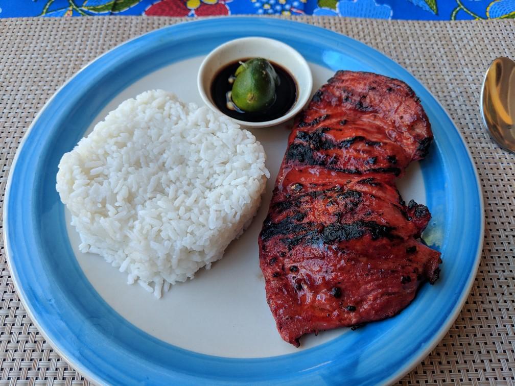 Belle pièce de porc avec du riz