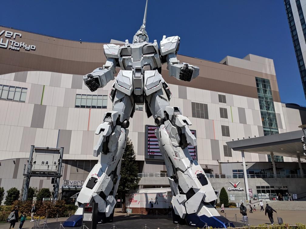 Une statue grandeur nature de Gundam