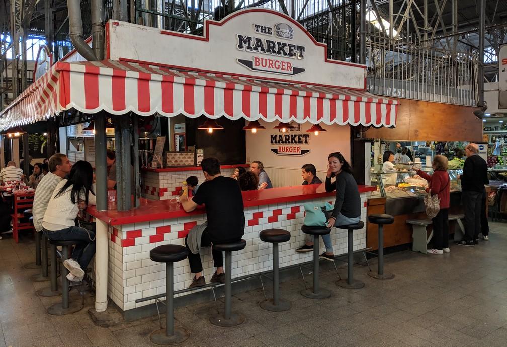 Le stand du Market Burger au marché de San Telmo à Buenos Aires
