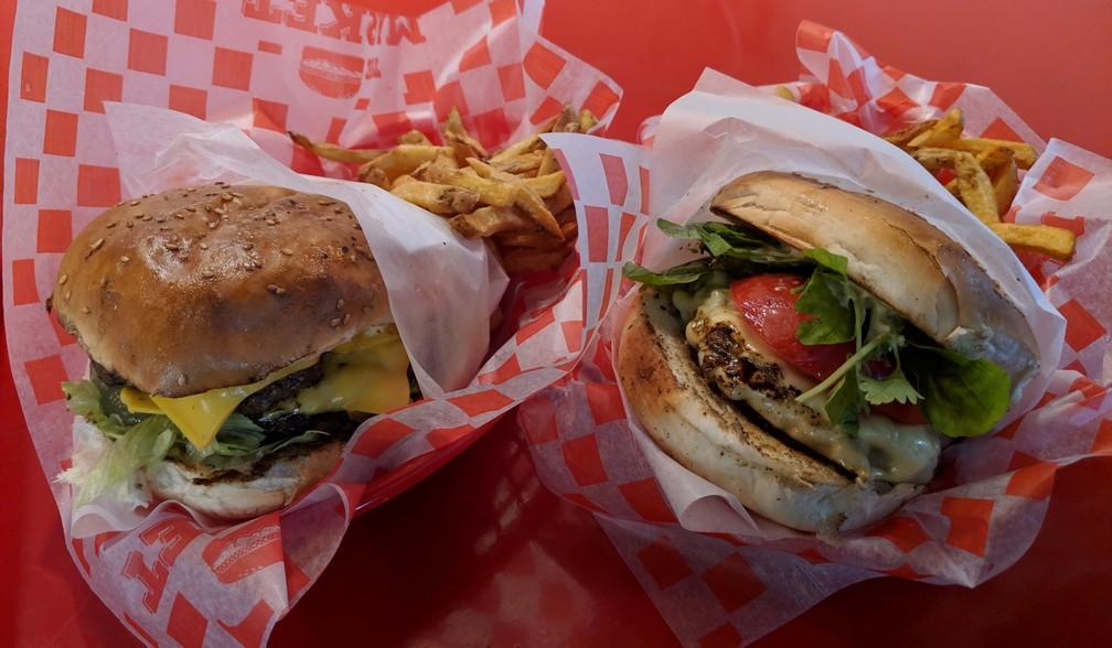 Deux gros burgers du Market Burger de San Telmo à Buenos Aires