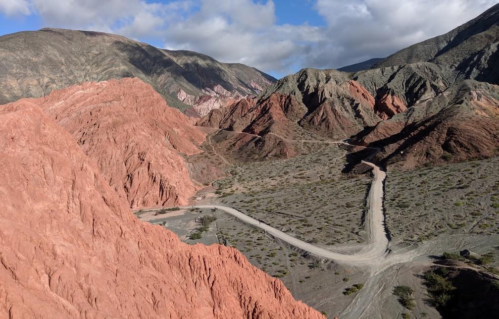 Vue sur les montagnes depuis le Paseo del Colorades sur la boucle nord de Salta