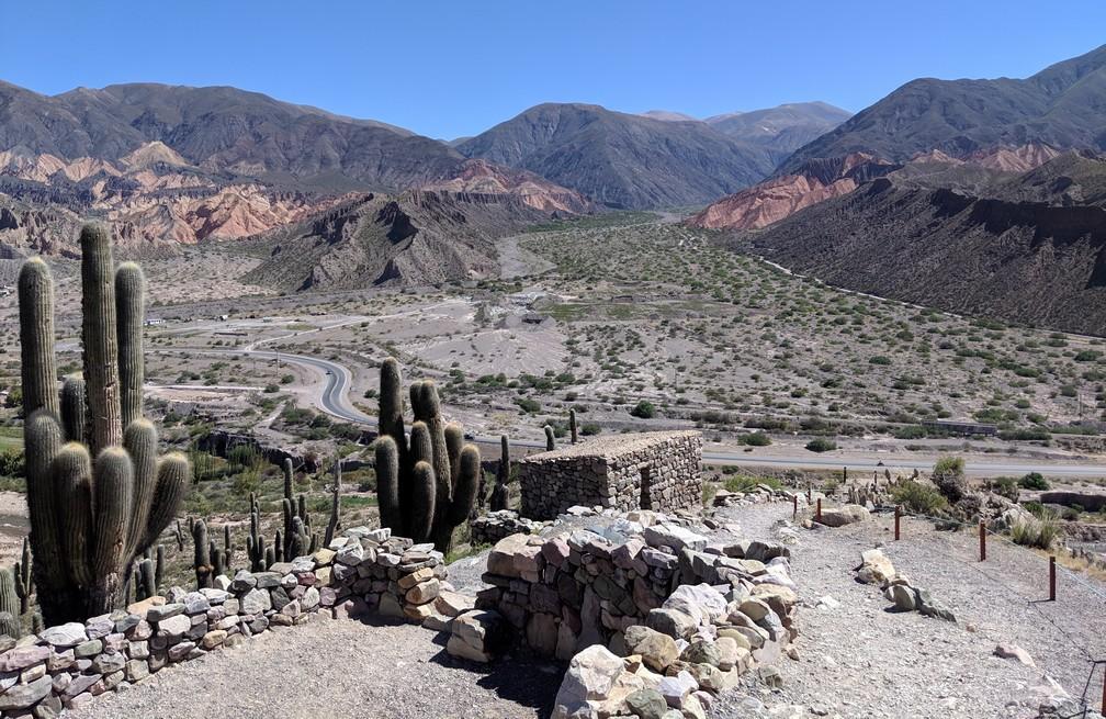 Point de vue depuis les ruines de Pucara de Tilcara en Argentine
