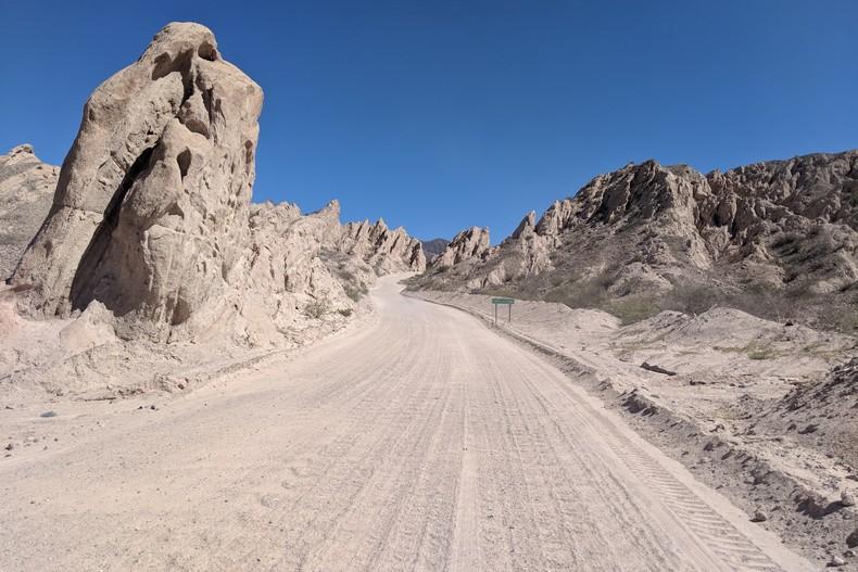 Route poussiéreuse de la Quebrada de la Flecha