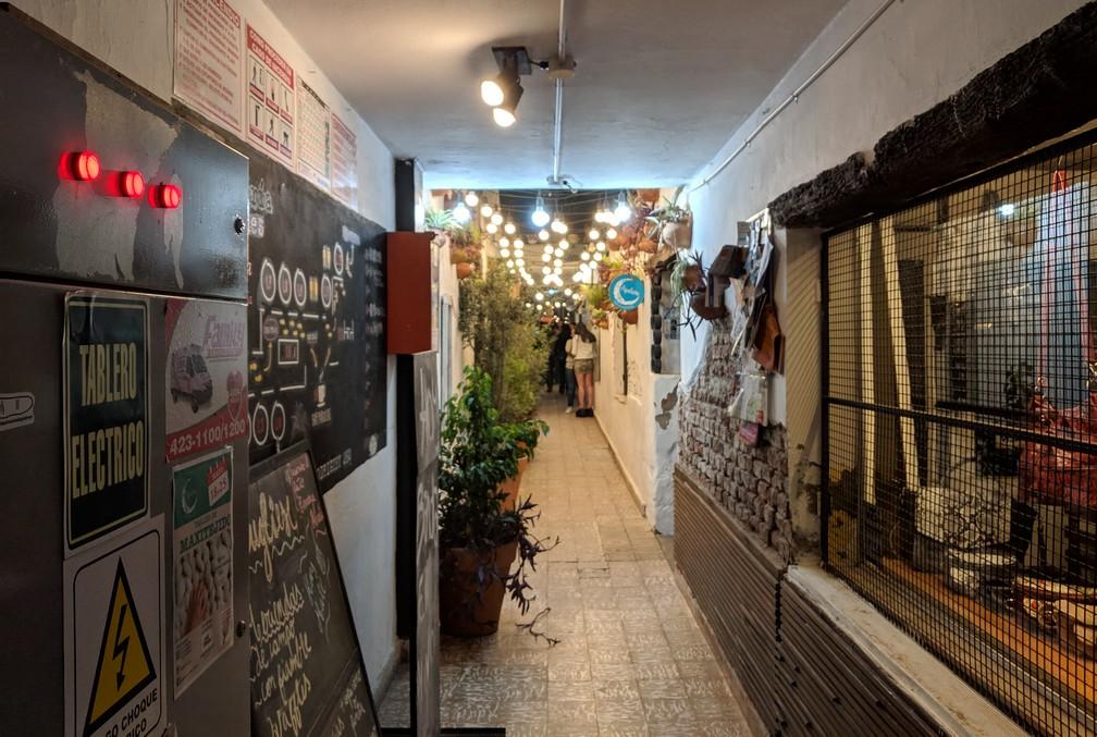 Galerie typique du quartier Barrio Guemes à Córdoba en Argentine