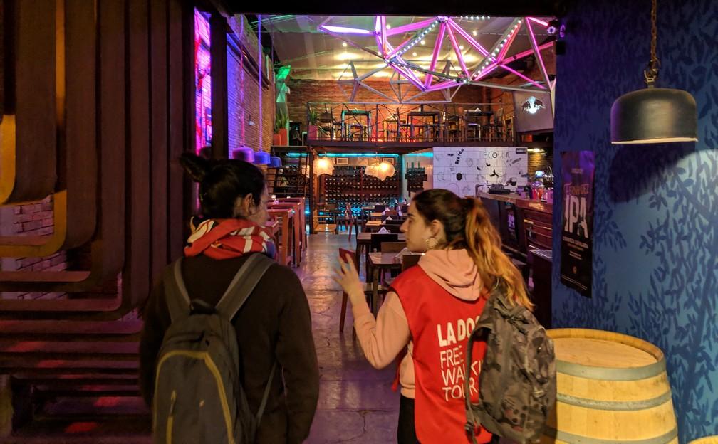 Entrée d'un bar du Barrio Guemes à Córdoba en Argentine