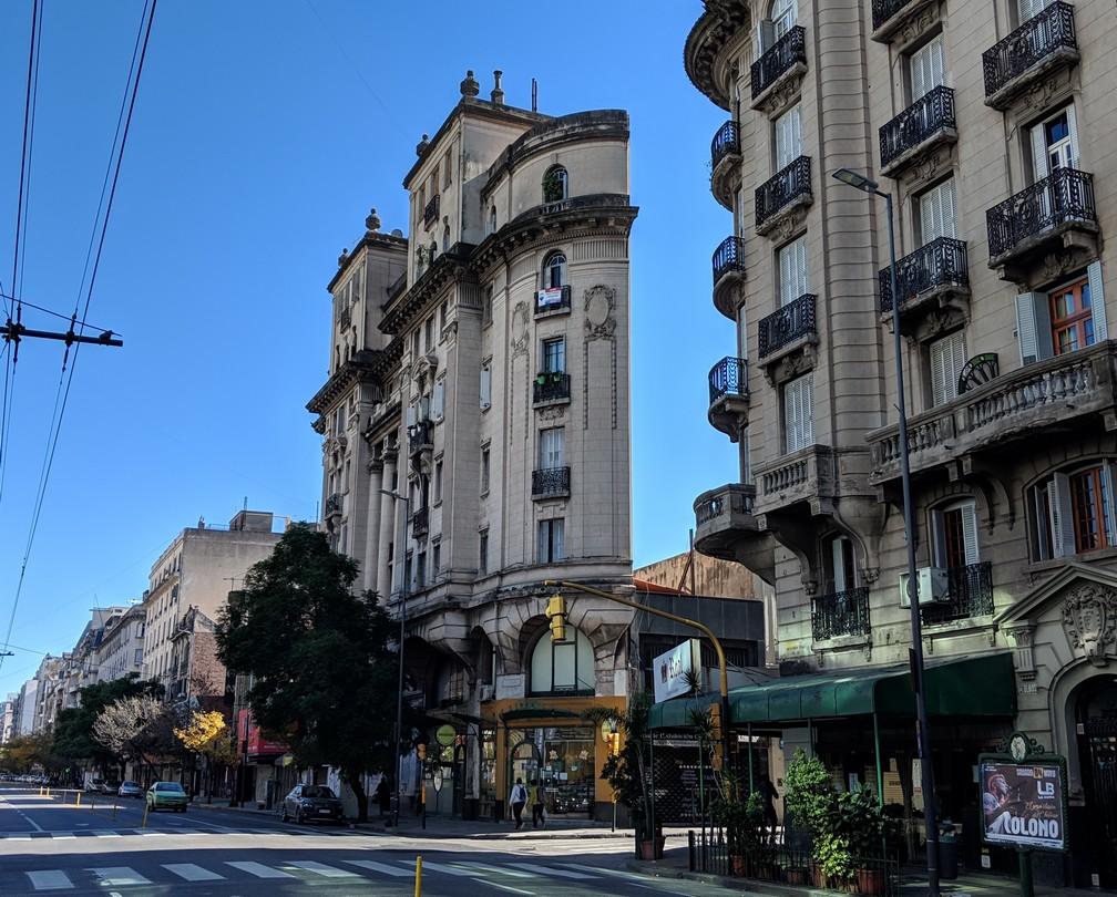 Edificio Más Angosto, un batiment de plusieurs étages très étroit à Córdoba en Argentine