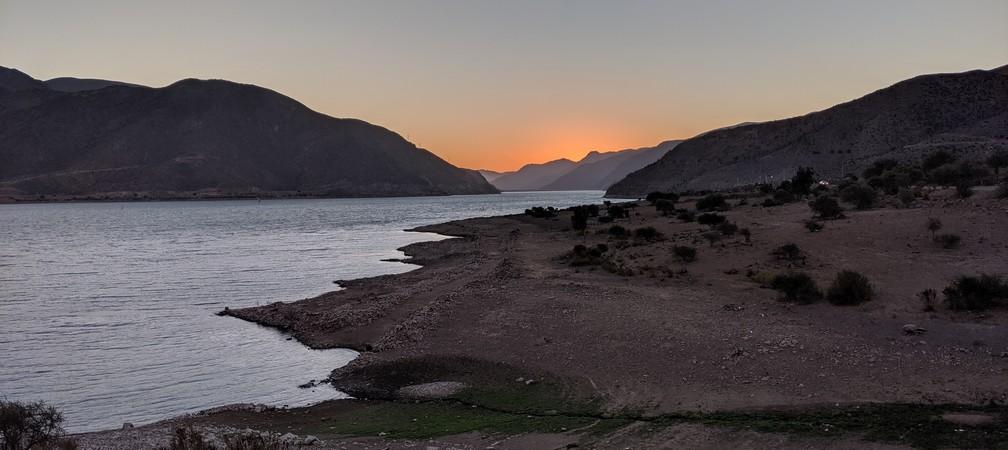Lac de Gualliguaica au coucher de soleil