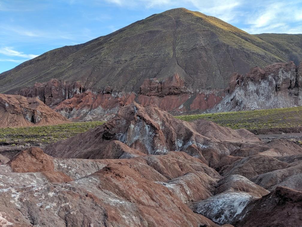 Montagne multicolore dans la vallée d'Arcoiris