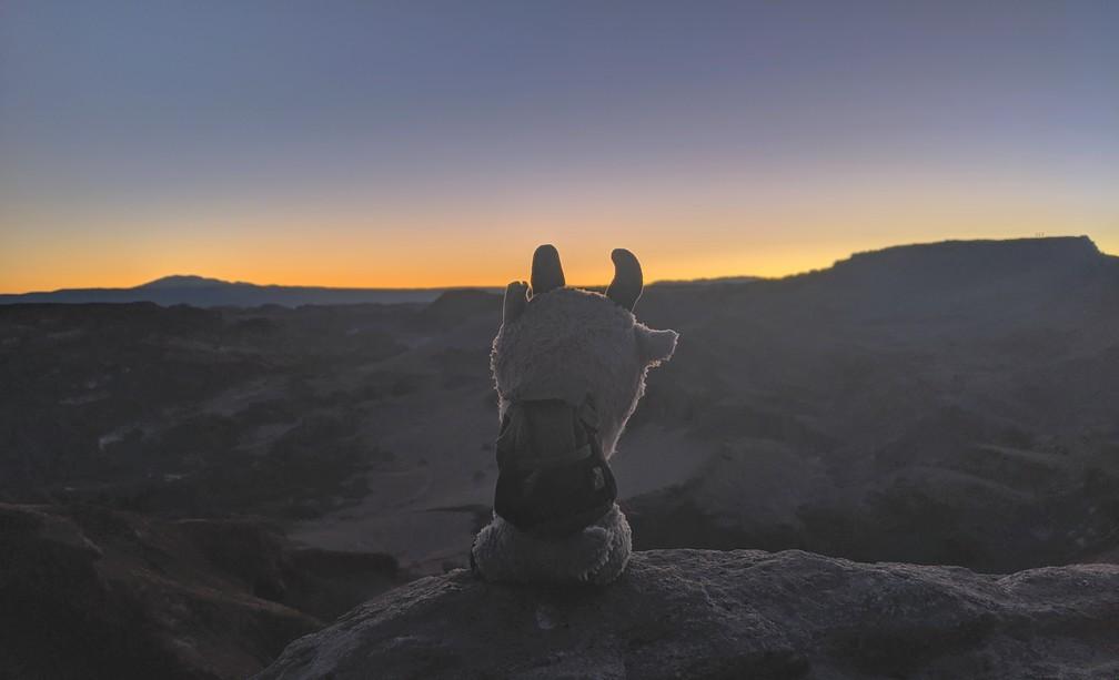 La petite Biquette devant le coucher de soleil à San Pedro de Atacama