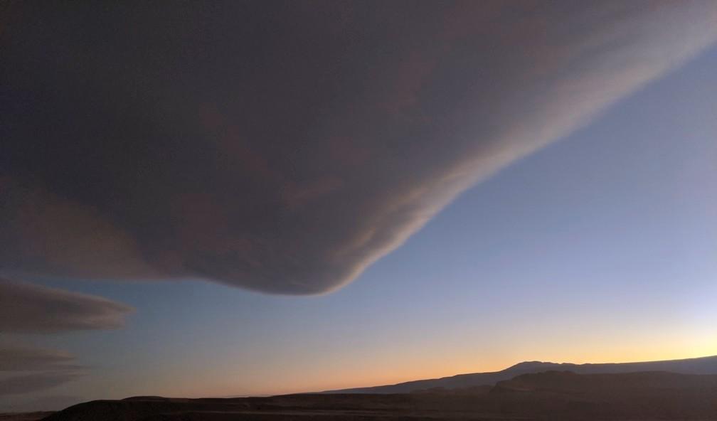 Enorme nuage au coucher de soleil à San Pedro de Atacama