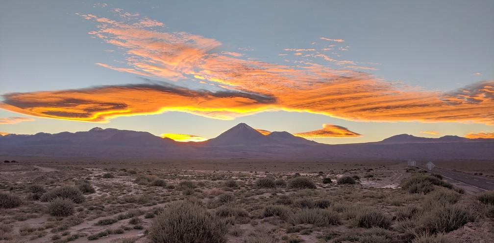 Lever de soleil sur les montagnes San Pedro de Atacama