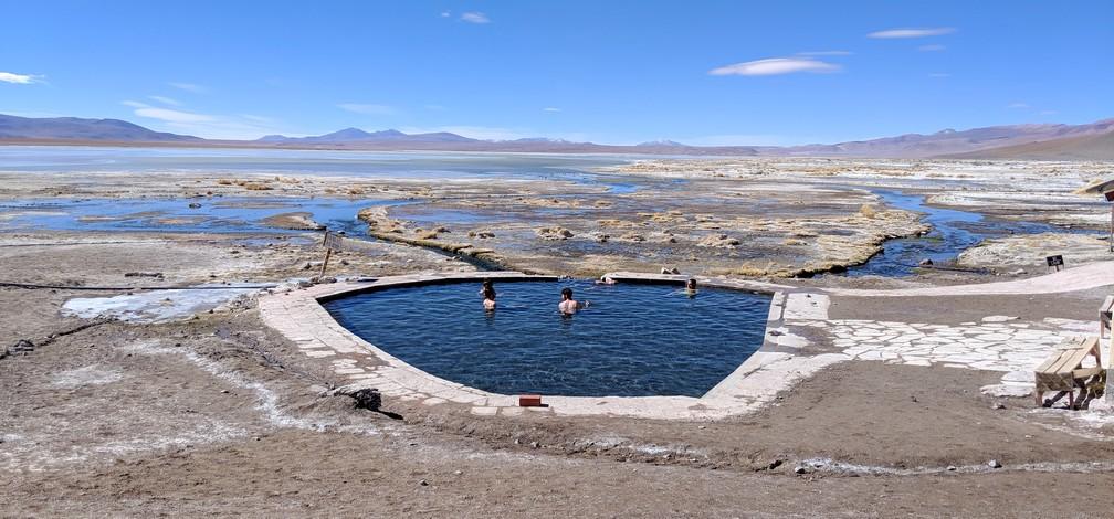 Piscine d'eau chaude au therme de Polque en Bolivie