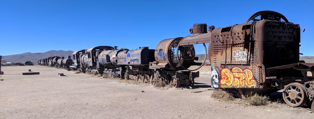 Vieille locomotive désossée à Uyuni
