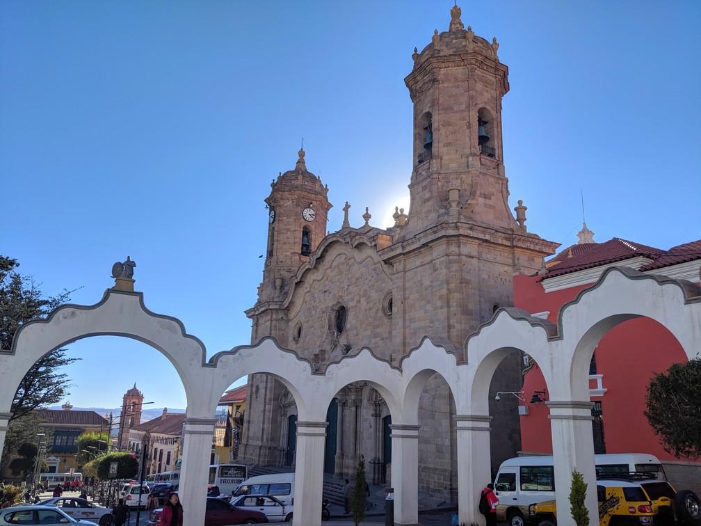 Arcades de Potosi et Cathédrale de Santiago Apostol
