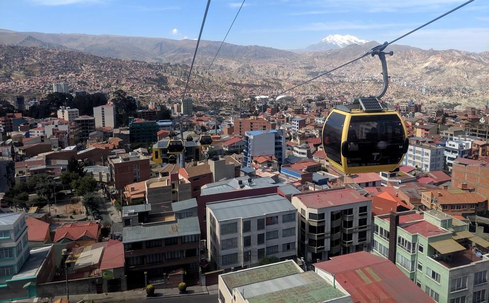 Cabine de téléphérique descendant sur La Paz