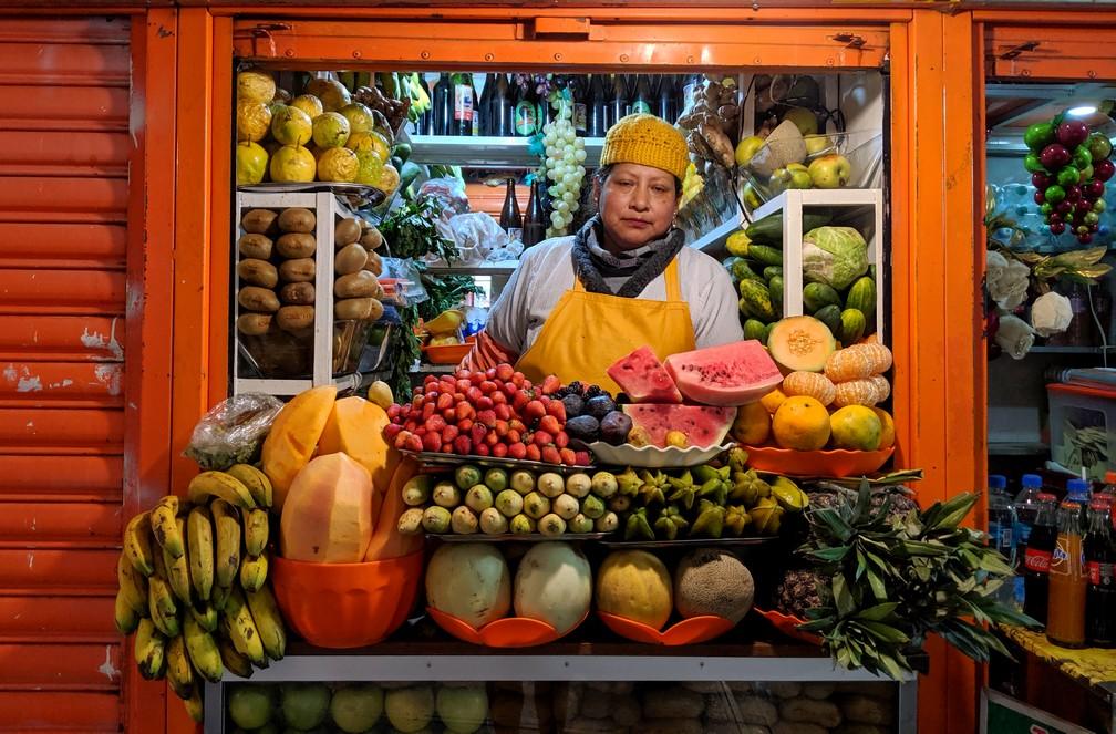 Marchande de jus de fruit au marché Lanza de La Paz