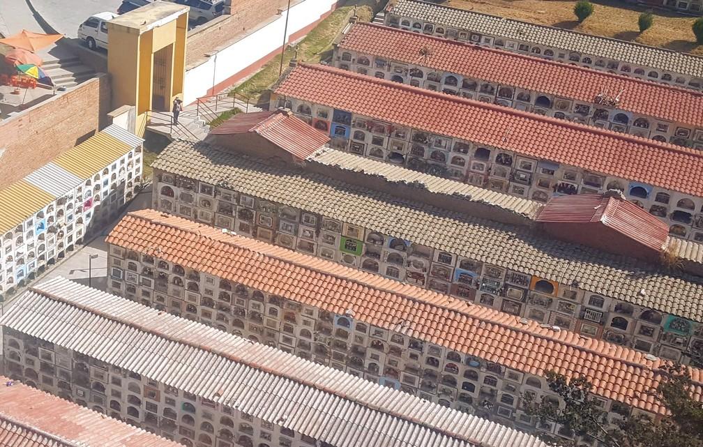 Vue aérienne du cimetière de La Paz montrant la multitude de tombes sous forme de casiers
