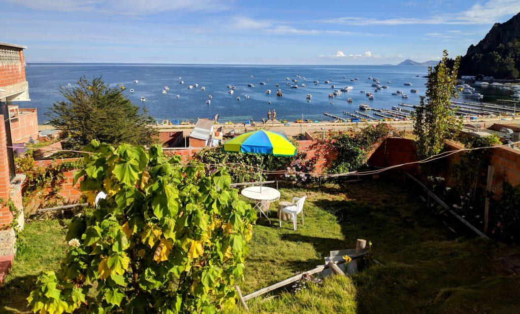 Vue sur le lac Titicaca depuis notre guesthouse à Copacabana