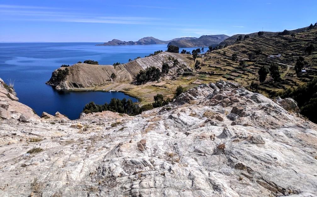 Lac Titicaca depuis la crête près de Sampaya