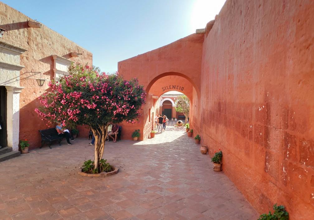 Entrée du Patio du Silence au couvent de Santa Catalina d'Arequipa