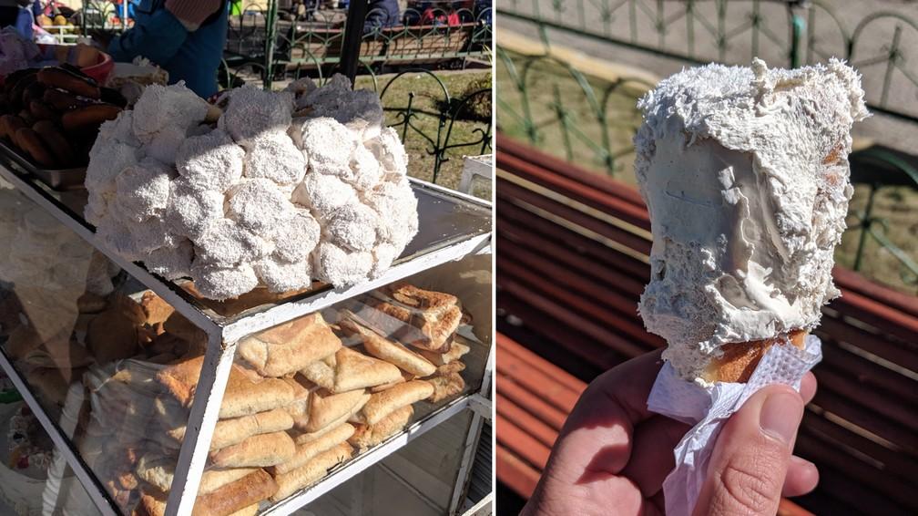 Des patisseries 'conos' sur un stand et un autre dans la main à Potosi