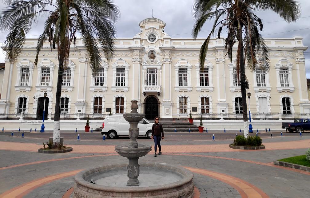 Mairie d'Otavalo vue depuis le parc Simon Bolivar