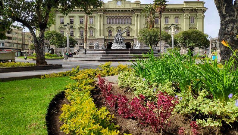 Musée des Sciences Naturelles et Place Sucre de Riobamba