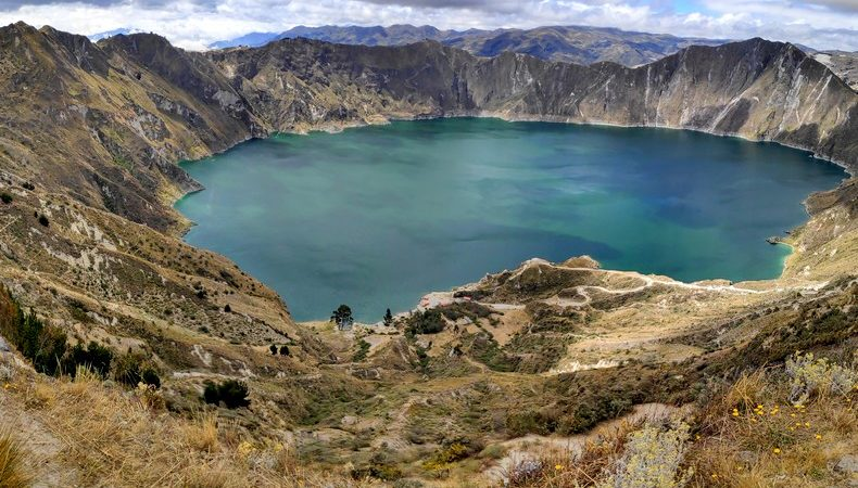 Lagune de Quilotoa vue depuis un sommet