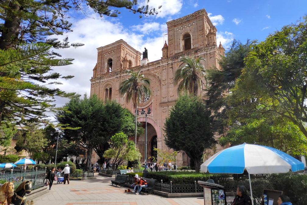 Cathédrale de Cuenca depuis le parc Adbon Calderon