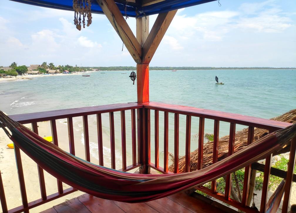 Hamac à l'étage de l'hostel face à la mer à Rincon del Mar