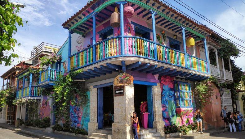 Batiment multicolore Carthagène