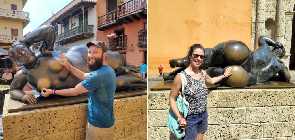 Sylvain et Salomé touchent la statue Gorda Gertrudis à Carthagène