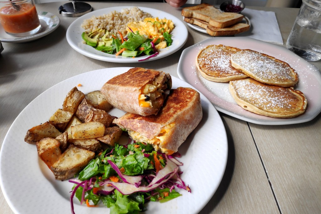 Breakfast Burrito au Roundel Cafe, Vancouver