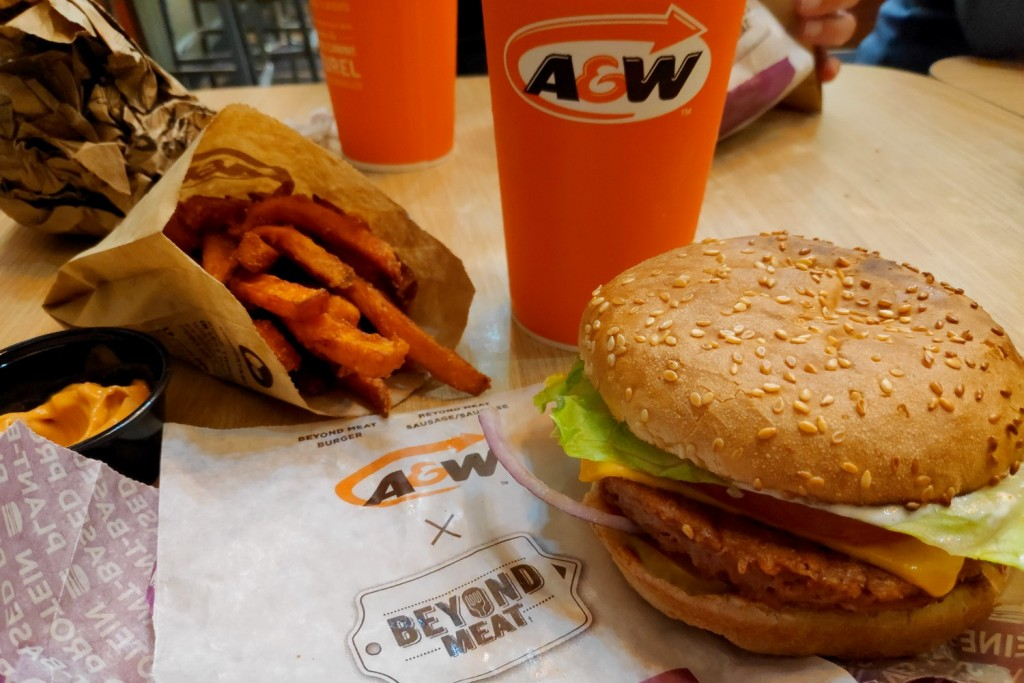 Beyond Meat burger chez A&W à Vancouver