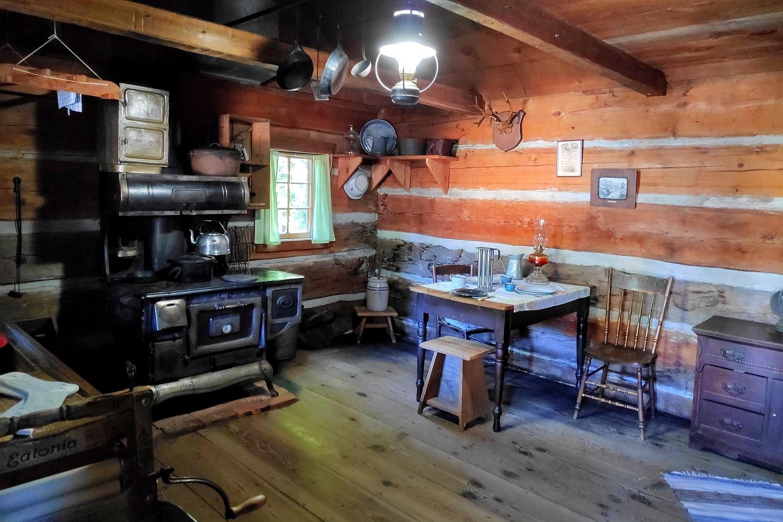 Cabane de trappeur à Burnaby Village